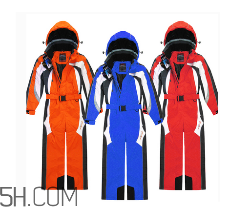 滑雪服什么牌子好?滑雪服和冲锋衣哪个好?