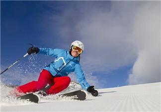 滑雪装备有哪些?如何选择滑雪板的长度?
