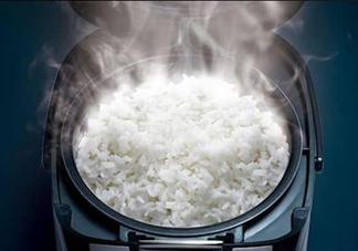煮饭怎么不粘锅?煮饭能用开水吗