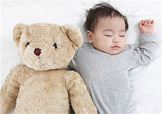 女人晚上睡觉出汗是什么原因导致的