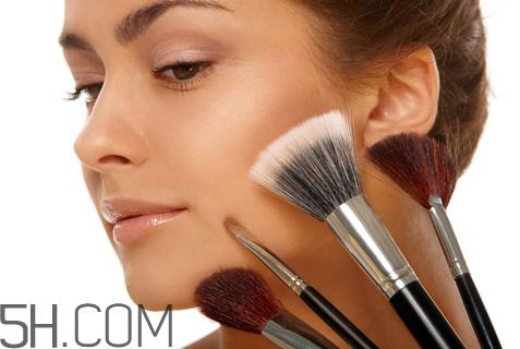 化妆刷用什么装比较好图片