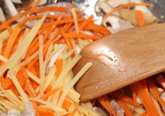 红萝卜能和土豆能一起炒吗 红萝卜和土豆可以一起吃吗