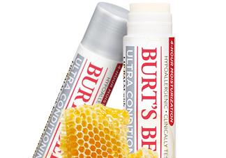 小蜜蜂细致修护唇膏很油吗?夏天用合适吗?