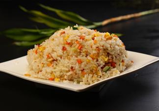 做蛋炒饭用什么米饭好?一碗蛋炒饭该放多少油