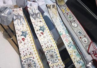迪奥塔罗牌丝巾和迪奥星座丝巾哪个好_对比