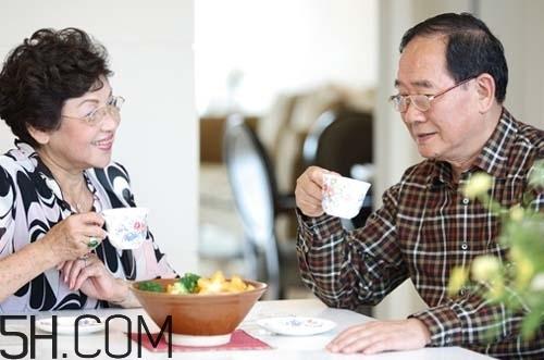 冬季老年人如何养生?老年人养生的注意事项是什么?