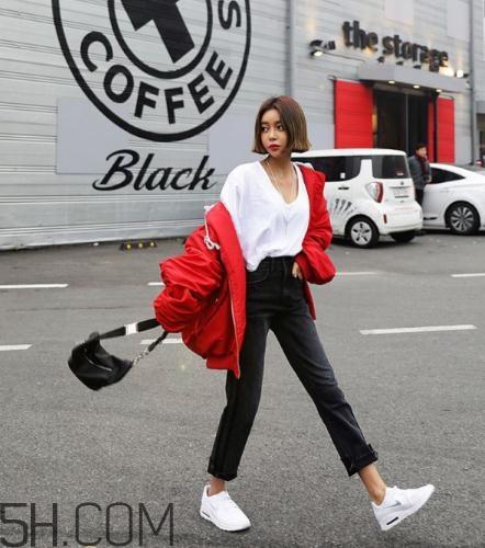 红色棉袄怎么搭配?红色棉服搭配图片