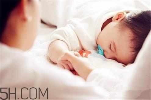 新生儿吹空调好吗图片