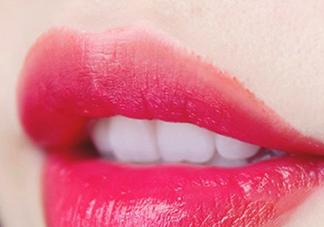 玫红色口红是什么颜色?玫红色口红怎么调色