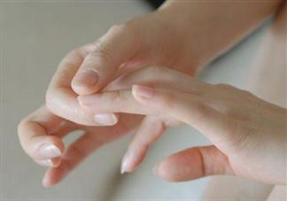 指甲剪成什么形状最好?指甲怎么护理?