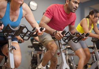 骑动感单车是剧烈运动吗?动感单车和自行车有什么区别呢?