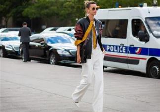 白色喇叭裤搭什么上衣?白色喇叭裤搭配图片