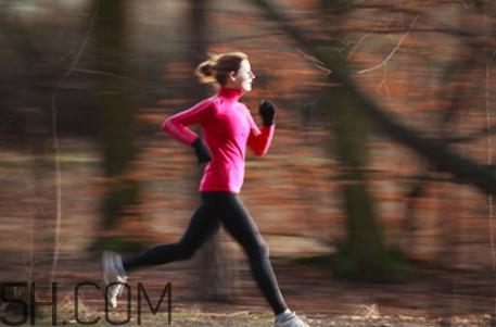经常慢跑的好处有哪些?慢跑减肥的正确方法是什么?