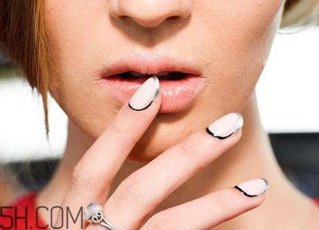 指甲油搭配有哪些讲究?显手白指甲油颜色推荐