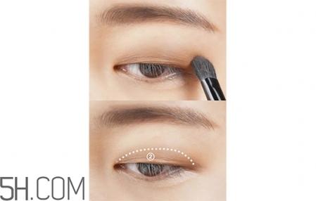 肿眼泡怎么画眼妆好看图片