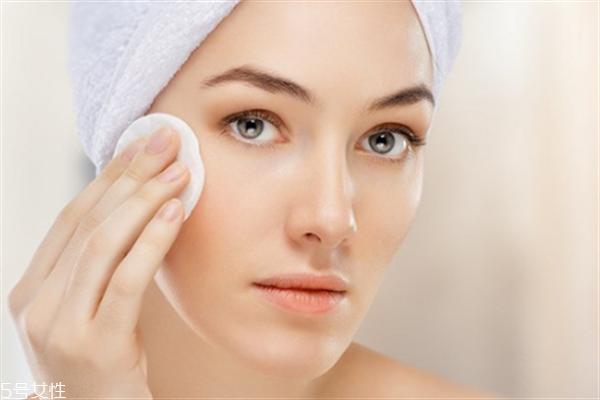 毛孔粗大用什么底妆好?不良的生活习惯也会导致毛孔粗大