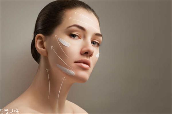 脸颊毛孔粗大的原因 蒸脸器可以细致毛孔