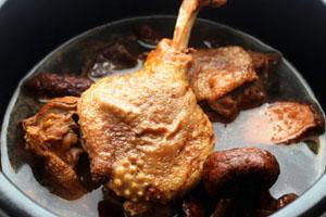 红菇可以炖鸭肉吗 滋补红菇老鸭汤食谱