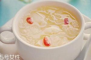 银耳莲子汤什么时候喝最好?时间上有讲究