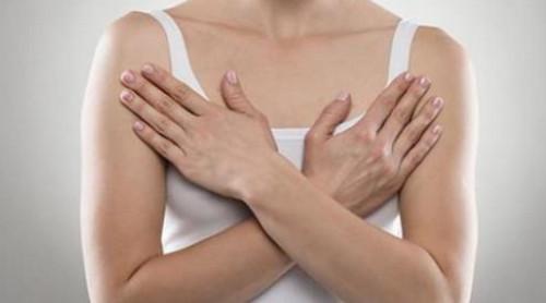 胸部下垂怎么办?这几招瑜伽消除副乳胸部变挺拔