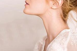 颈纹可以消除吗?医美方法最靠谱