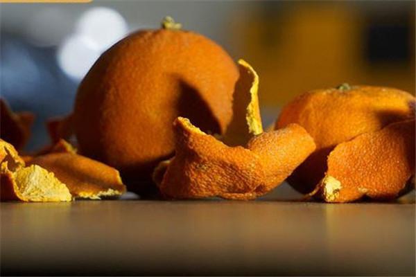 橘子皮可以洗衣服吗 4种漂白衣服日常用品