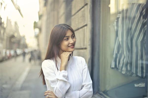 职场笔记:自信对人生的重要性 是对自己眼神感到确信