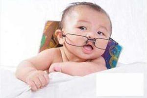 怎样防止婴幼儿弱视问题?三种方法合理预防