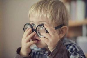 哪些因素会影响宝宝的视力?8大因素需注意