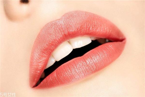 口周湿疹是怎么引起的 常因不良习惯