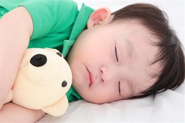 怎么才能让宝宝自己睡觉 7个小妙方