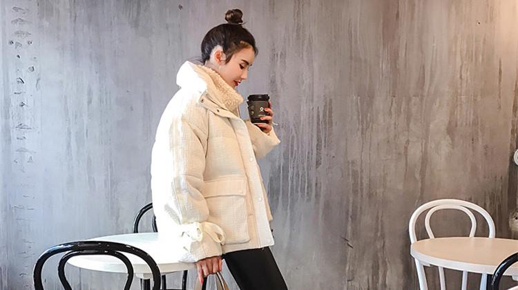 冬天短款棉服如何搭配?教你做个元气少女