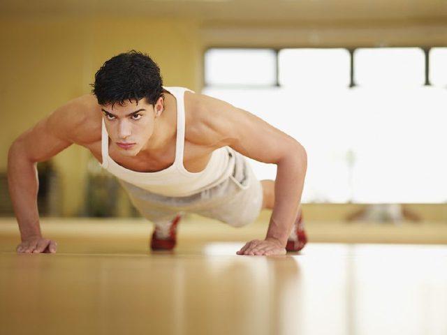 做俯卧撑肩膀疼怎么办 6招教你缓解疼痛
