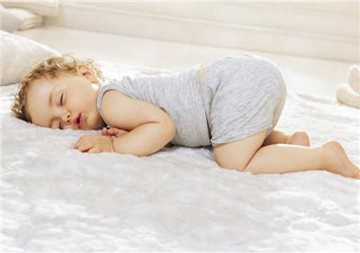 宝宝睡觉鼻子呼呼响是怎么回事 四种原因需注意