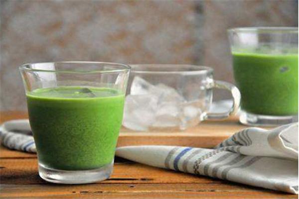 绿拿铁怎么做 大餐后减肥饮品