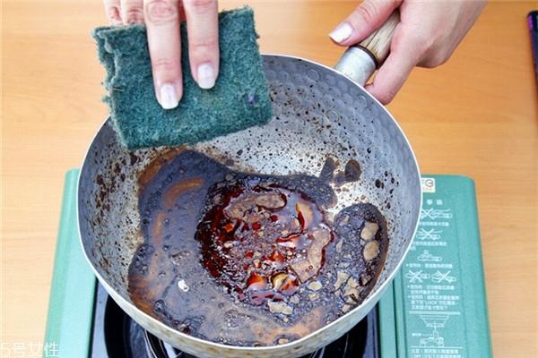 锅底烧焦了怎么清洗 5个洗锅底的妙招