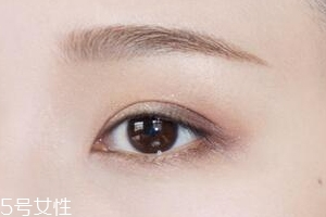 内眼线的画法 简单又实用的大眼伪装术