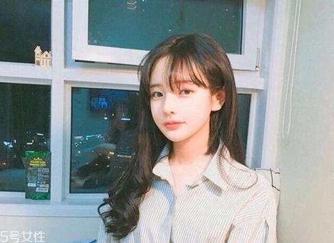 韩式空气刘海配什么发型?不失个性魅力