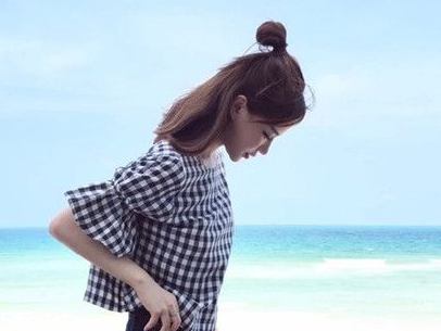 2018最新丸子头扎法 时髦又可爱