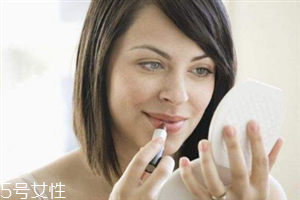 秋冬用什么唇膏好?保护嘴唇相当重要