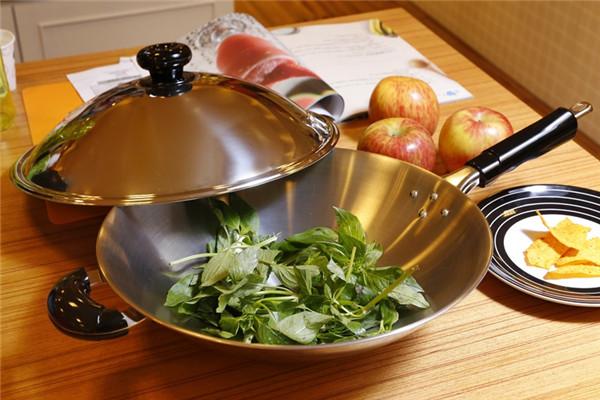 不锈钢锅第一次用怎么处理 必学的开锅养锅技巧