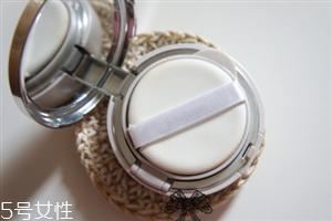 雪花秀致美润白气垫评测 妆容自然轻薄