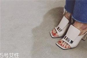 sergio rossi鞋子偏码吗?游走时尚尖端