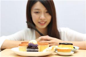 爱吃甜食容易老吗 甜食上瘾症状有哪些
