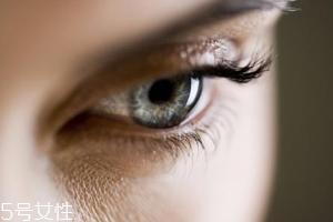 冬天用什么眼霜?抗皱眼霜对抗干燥肌