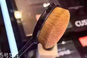 牙刷型粉底刷怎么用 espoir粉底刷使用方法