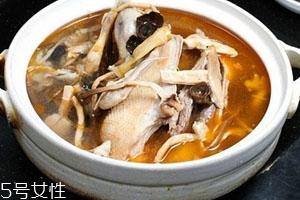 老鸭汤可以放香菇吗
