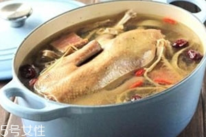 老鸭汤可以放红枣吗