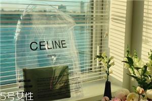 celine塑料袋多少钱?被代购炒翻天塑料包