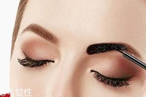 塑形眉胶怎么用?修眉后直接勾画眉形